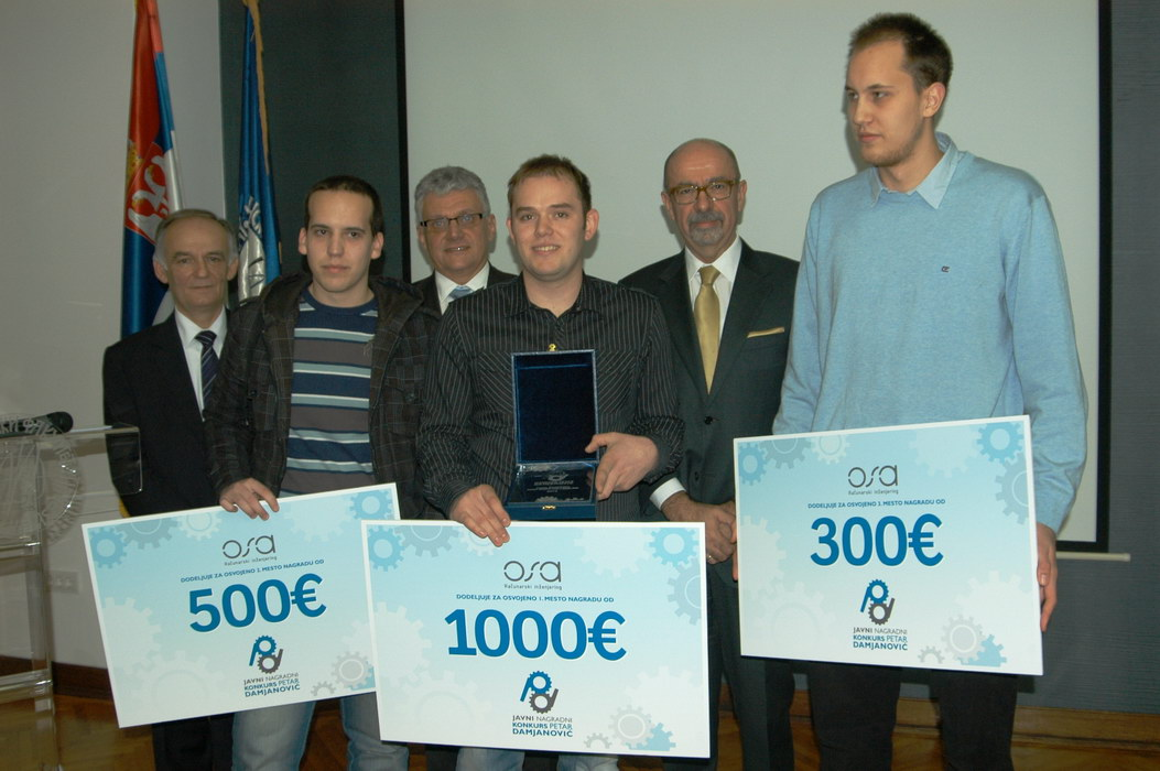Ivan-Knezevic-1.nagrada-Milos-Milivojevic-2.nagrada-i-Stefan-Cveticanin-3.-nagrada-sa-predstavnicima-OSA-inzenjeringa_resize