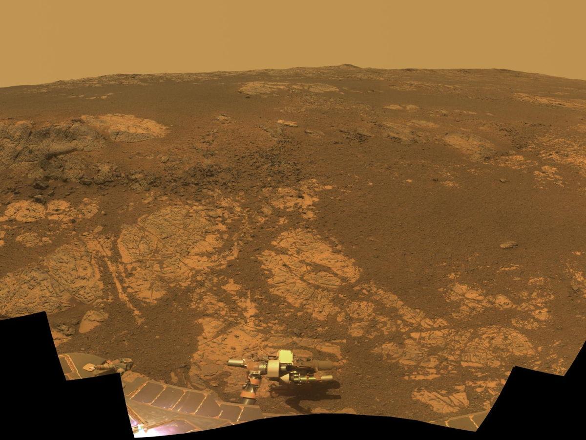 Opportunity rover na brdu Matijević (Foto: NASA)