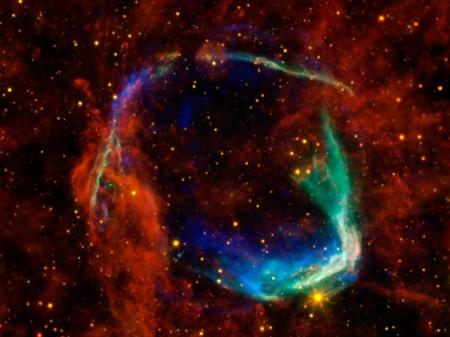 Ostaci prve supernove zabeležene u ljudskoj istoriji - RCW 86 je uočena u Kini 185. godine P.N.E. (Foto: NASA/ESA/JPL-Caltech/UCLA/CXC/SAO)