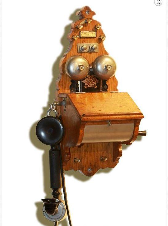 Induktorski-telefon-Ericsson-1904-vlasništvo-kralja-Petra-I-Karađorđevića