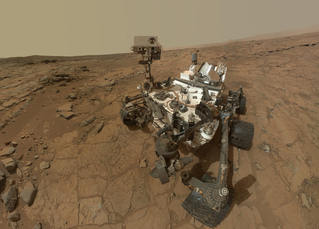 mars-rover-curiosity-1st-sample-site-portrait