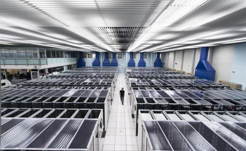 Serverska-soba-u-CERN-u