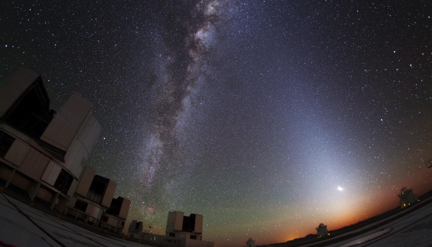 Zodiacal_Glow_Lightens_Paranal_Sky