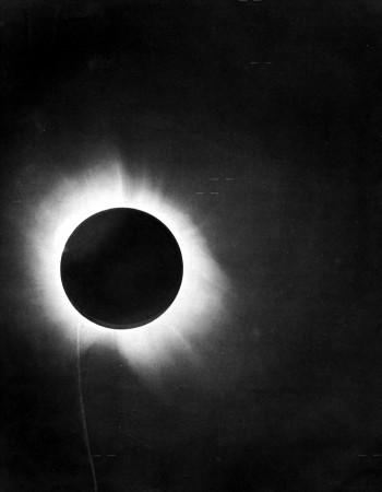 Pomračenje Sunca snimljeno 1919. godine