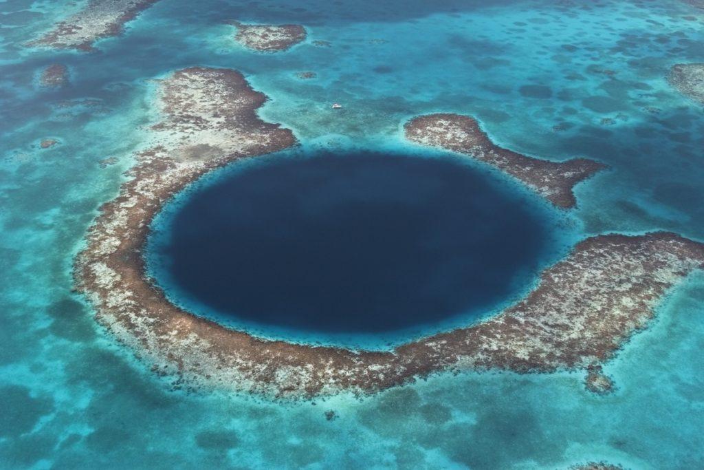 Prirodni spomenik Blue Hole © Brandan Cole WWF
