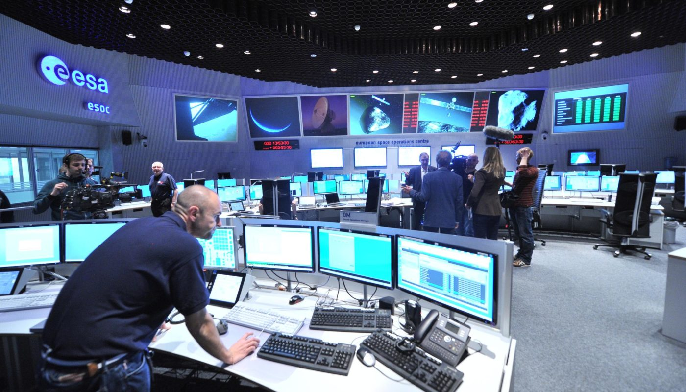 Views_in_the_Main_Control_Room_12052189474