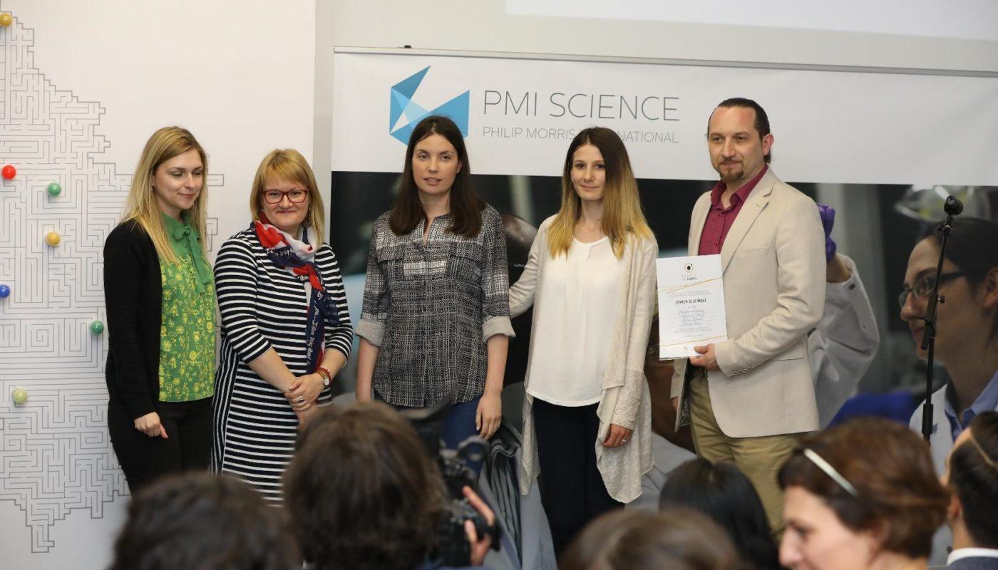 Jelena-Preradovic-Stevanovic-sa-dobitnicima-granta-timom-Hemijskog-fakulteta-u-Beogradu