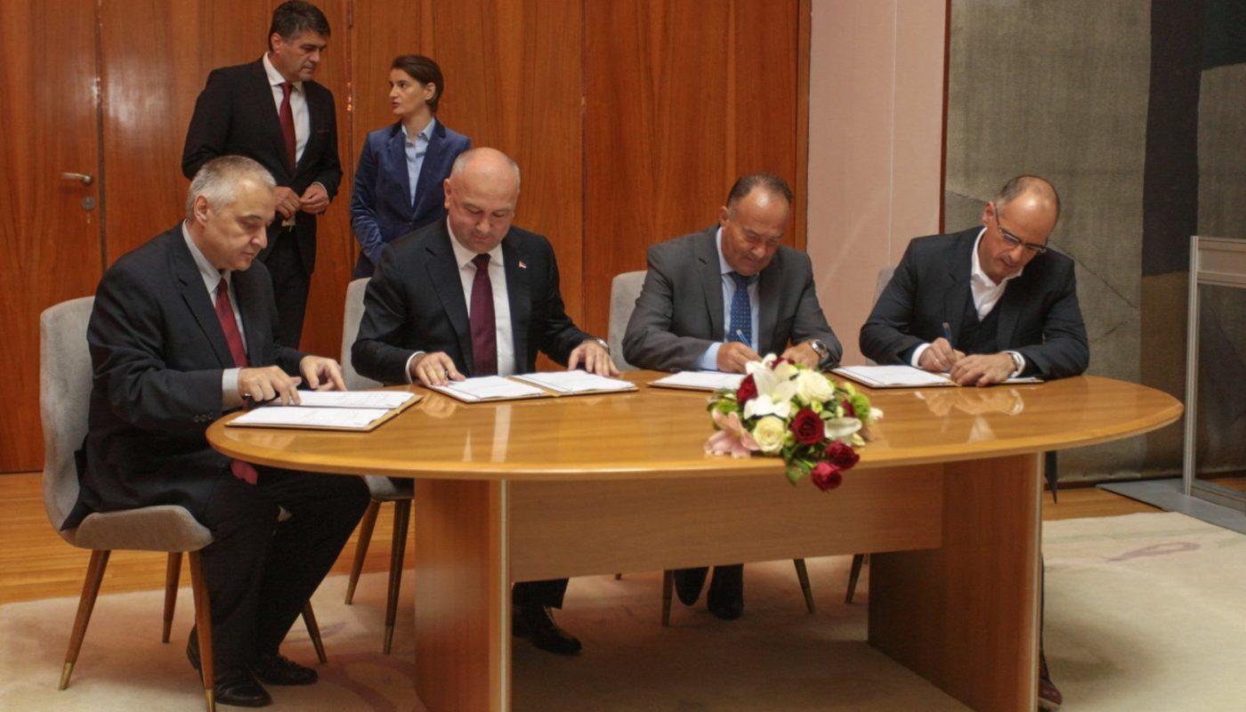 Institut-za-fiziku-potpisivanje-ugovora-za-Verokio-01